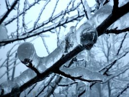Ice by HelaLe