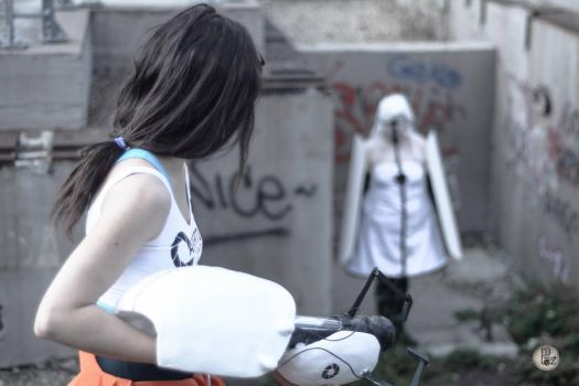 Portal 2 cosplay. Photo by Piero Paz by Wendyland