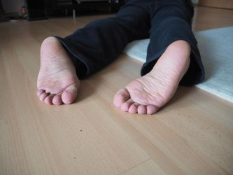 cold dead feet 02 by mrsection