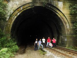 Railfans at 28th tunnel by Alexandre-ue