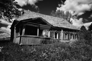 Old russian house by Day-zel