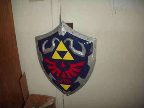 Hylian shield - complete! by mnementh2000