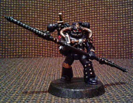 Black legion space marine with twin chain-poleaxe by Naarok0fKor