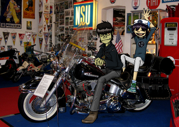 Murdoc and Noodle on a bike by the-Adventurer-0815