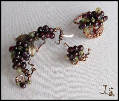 Bunch of berries set by JuliaKotreJewelry