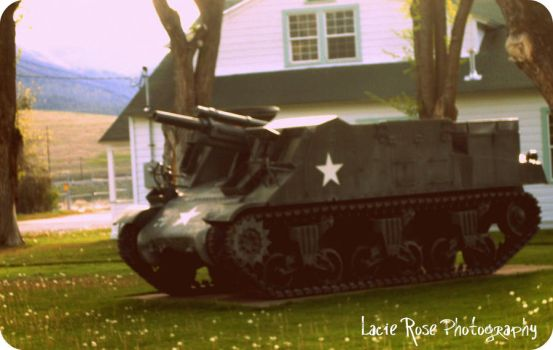 WWII Tank by x6deadly6rose6x