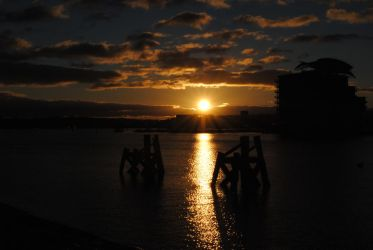 Cardiff Sundown by DaveyWaveyx