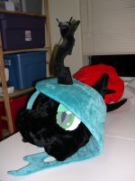 Queen Chrysalis fursuit head by Bladespark