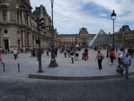 Louvre by Didux