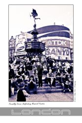 London Collection: Piccadilly Circus by holgermuch