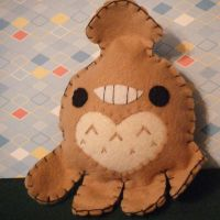 Brownie the Totoro Squid by hellohappycrafts