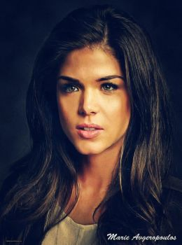 Marie Avgeropoulos (Golden) by thephoenixprod