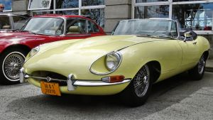 Yellow E-Type roadster ( new edit ) by UdoChristmann