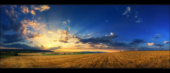 Hungarian skies pt.CXXXII. by realityDream