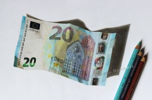 Euro banknote (drawing) by Quelchii