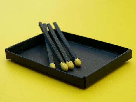 Yellow matches by sylvainloiseau