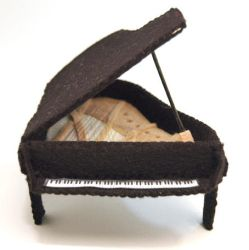 Grand Piano by The-House-of-Mouse