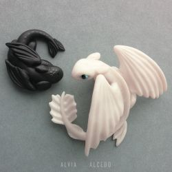 Light fury and baby Night fury by AlviaAlcedo
