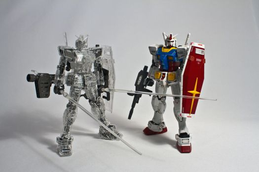 RG 1/144 RX-78-2 Clear and normal version by aryss-skahara