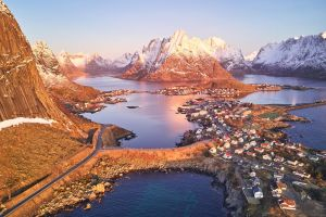 The mountains of Lofoten isands by JohnyG