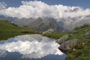 A lake full of mountains by Gjko