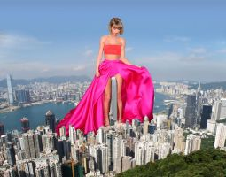 Taylor Swift Gets Intimate with Hong Kong by MAZ-629999
