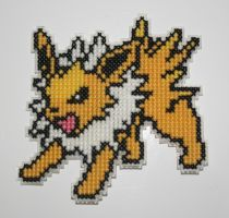 Jolteon by behindthesofa