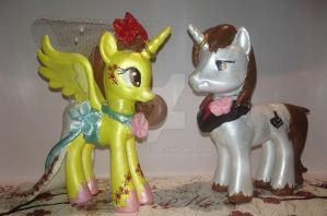 My Little Pony Wedding Cake Topper by TexacoPokerKitty