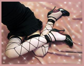 pink THs, footless nets, shoes by missrex