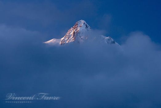 Over the clouds... by vincentfavre