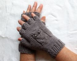 Owl Gloves by Wildphoenix22