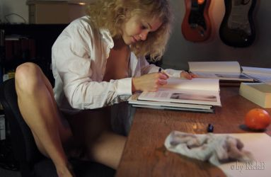 Marmor signing her book by RickB500