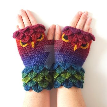 Mojo Owl Gloves by FearlessFibreArts