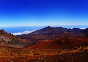 Crater, Maui by maxpower