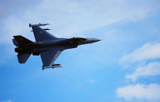 F16  LF056 by Phenix59