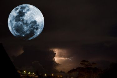 Moon and Lightning by Ulfhednin