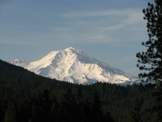 Shasta in the evening by kasmel