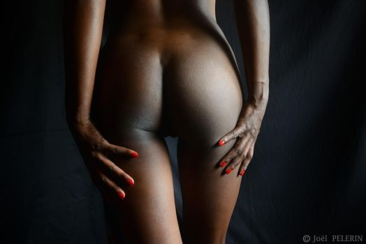 Ebony Queen Ass 2 by charmeurindien