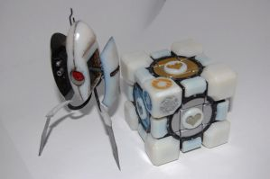 Portal 2 Cube and Turret by ammnra