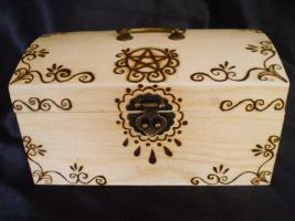 Pentacle Trinket box front by Ravens-nest-witchery