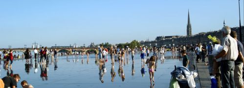 Water mirror. Bordeaux. by inatheblue