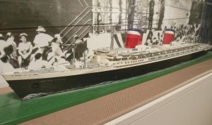 SS United States Waterline Model by rlkitterman