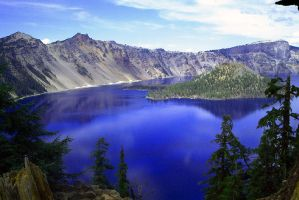 The Overlook Of Crater Lake by metro