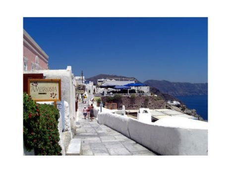 Streets of Oia - X by valkryja