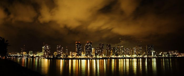 Honolulu City Lights II by niimo