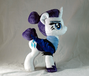 Night Maid Rarity by WhiteHeather