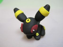 Umbreon by GingerTheFish
