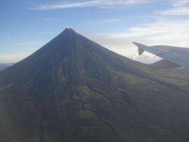 mayon by urielbeaupre