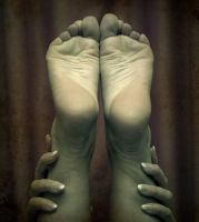Hands and feet by freakshow9