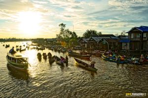 Floating Market by AndieMakkawaru